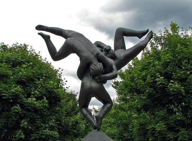 NORWAY'S FAMOUS MONOLITH BY GUSTAV VIGELAND  NORWAY'S FAMOUS MONOLITH BY GUSTAV VIGELAND 632