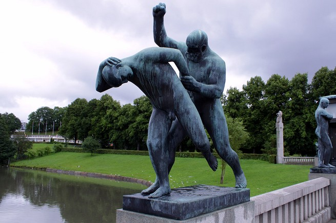 NORWAY'S FAMOUS MONOLITH BY GUSTAV VIGELAND  NORWAY'S FAMOUS MONOLITH BY GUSTAV VIGELAND 724
