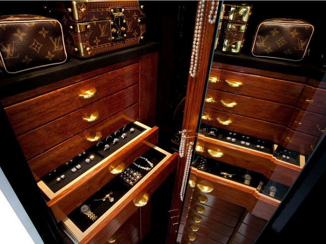 THE BEST LUXURY SAFES OF 2015  LUXURY SAFES - DESIGN TRENDS FOR 2015 47