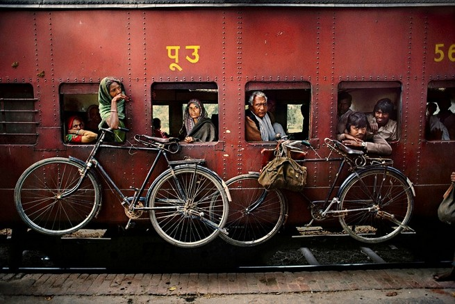 THE SPIRIT OF INDIA IS THE NEW STEVE MCCURRY' S PHOTOGRAPHY BOOK   THE SPIRIT OF INDIA IS THE NEW STEVE MCCURRY'S PHOTOGRAPHY BOOK 39