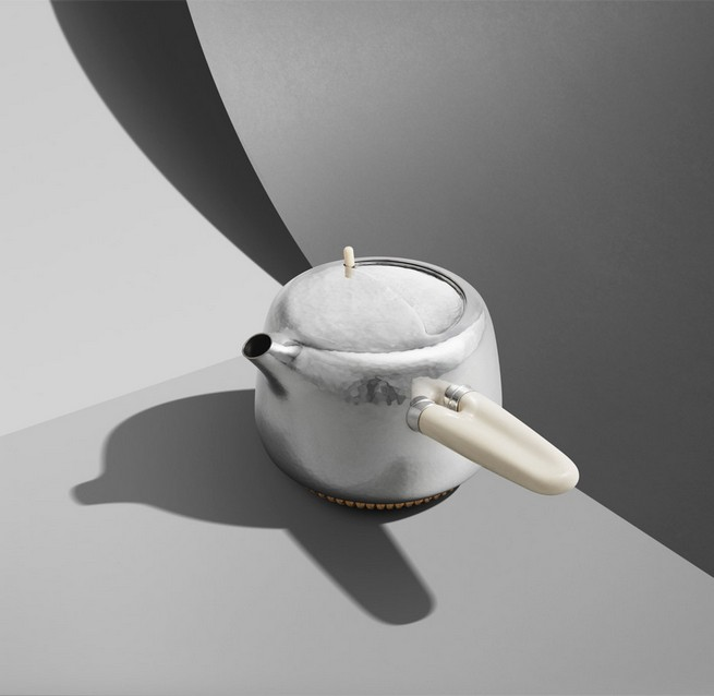 Marc Newson Designs Silver Tea Set Made With Mammoth-Ivory Handles   Marc Newson Designs Silver Tea Set Made With Mammoth-Ivory Handles Marc Newson tea set Georg Jensen dezeen 936 12