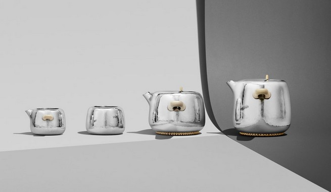 Marc Newson Designs Silver Tea Set Made With Mammoth-Ivory Handles   Marc Newson Designs Silver Tea Set Made With Mammoth-Ivory Handles Marc Newson tea set Georg Jensen dezeen 936 13