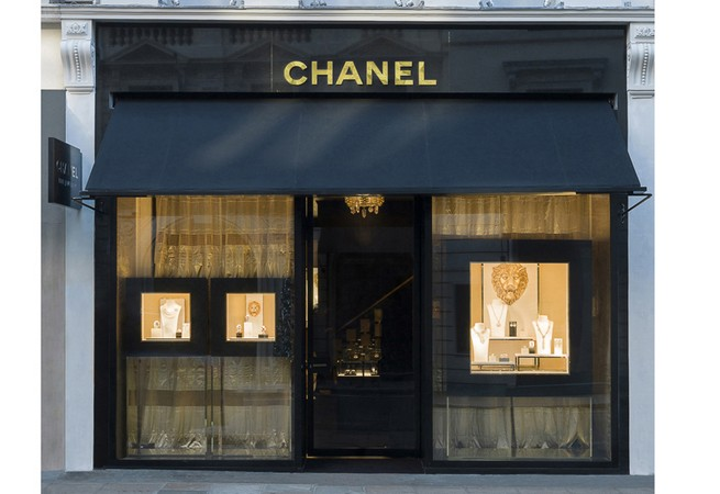 Chanel's Bond Street boutique reopens with triple size  Chanel's New Bond Street boutique reopens with triple size 112