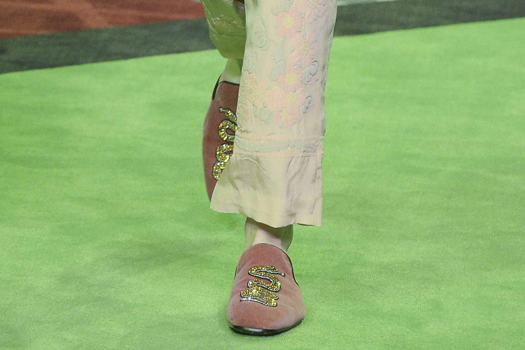 gucci-mens-spring-2017-collection-milan-fashion-week-62 greenery Greenery: Pantone Color Of the Year 2017 gucci mens spring 2017 collection milan fashion week 62