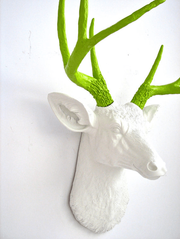 white-faux-deer-head-with-lime-green-antlers-pan greenery Greenery: Pantone Color Of the Year 2017 white faux deer head with lime green antlers pantone greenery