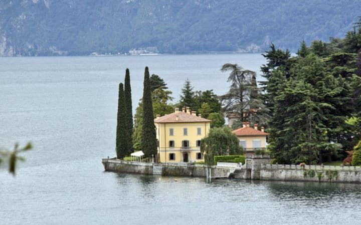 Luxury Villas in Italy  luxury villas in italy 10 Luxury Villas in Italy - Exclusive Design Corte del Lago 2564077a large