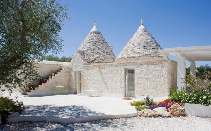 Luxury Villas in Italy  luxury villas in italy 10 Luxury Villas in Italy - Exclusive Design Giu al Trullo 2 2565142a large