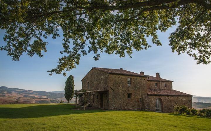 Luxury Villas in Italy  luxury villas in italy 10 Luxury Villas in Italy – Exclusive Design Il Coccetto Tuscan 2564060a large