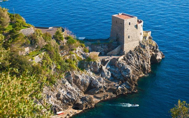 Luxury Villas in Italy  luxury villas in italy 10 Luxury Villas in Italy – Exclusive Design Torre de lo Grado 2563999a large
