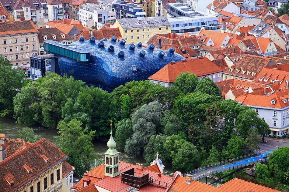 kunsthaus-graz-styria-austria-1 cities of design The World's Best Cities Of Design - PART I kunsthaus graz styria austria 1