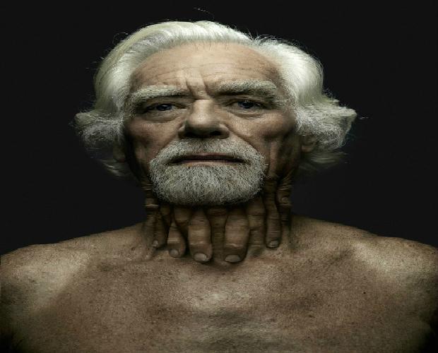 Belgian photographer Jeffrey Vanhoutte amazing hybrid-human figures babak hosseiny jeffrey vanhoutte o les mains designboom 042