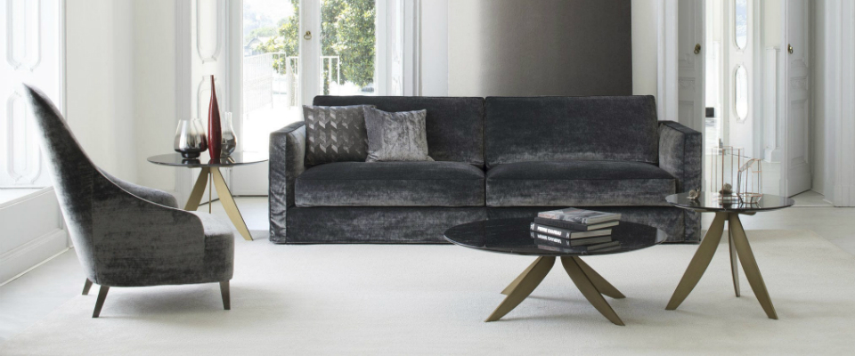 20 Striking Velvet Sofas For Modern Living Rooms