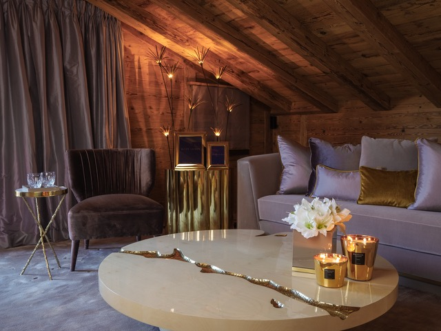 Exclusive Rustic Chalet In The Swiss Montains By Rougemont Interiors (7) rougemont interiors Empire Center Table Shines In This Rougemont Interiors Project Exclusive Rustic Chalet In The Swiss Montains By Rougemont Interiors 7