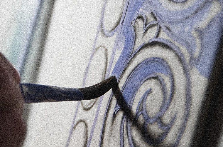 The Wonders Of Craftsmanship - Details Of Hand-Painted Tiles ft hand-painted tile The Wonders Of Craftsmanship – Details Of Hand-Painted Tiles The Wonders Of Craftsmanship Details Of Hand Painted Tiles ft 760x500 boca do lobo blog Boca do Lobo Blog The Wonders Of Craftsmanship Details Of Hand Painted Tiles ft 760x500