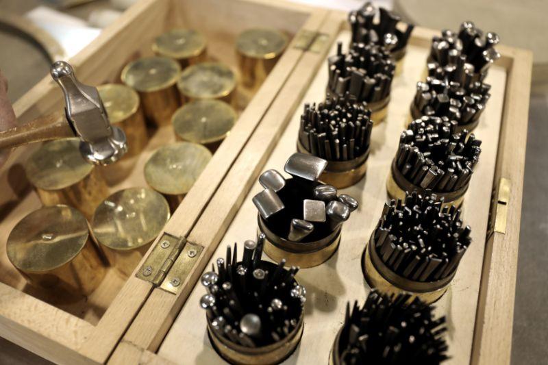 metalwork Craftsmanship In Luxury Design – Discover The Metalwork Technique robin 1