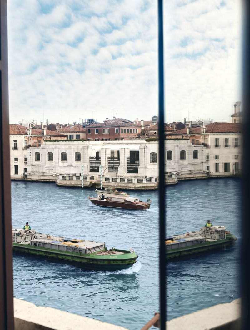 jacques grange Jacques Grange Restores Venice Apartment With Picture-Postcard Views Jacques Grange Restores Venice Apartment With Picture Postcard Views 9