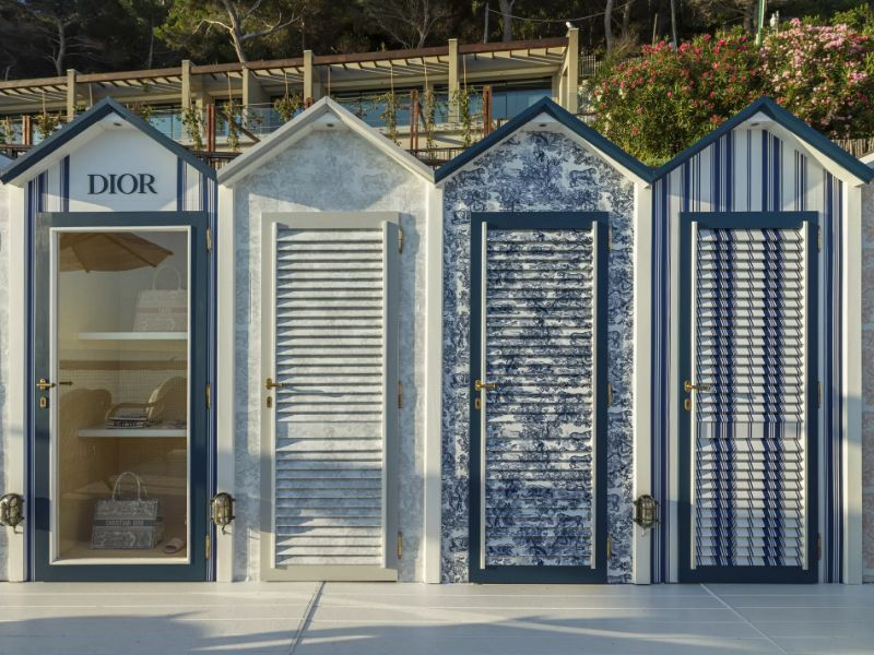 Dior Opens Pop-Up Store That Overlooks The Mediterranean Sea (6) [object object] Dior Opens Pop-Up Store That Overlooks The Mediterranean Sea Dior Opens Pop Up Store That Overlooks The Mediterranean Sea 6