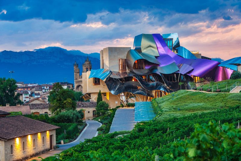 Frank Gehry's Iconic Architectural Buildings Around The World (10) frank gehry Frank Gehry's Iconic Architectural Buildings Around The World Frank Gehrys Iconic Architectural Buildings Around The World 10