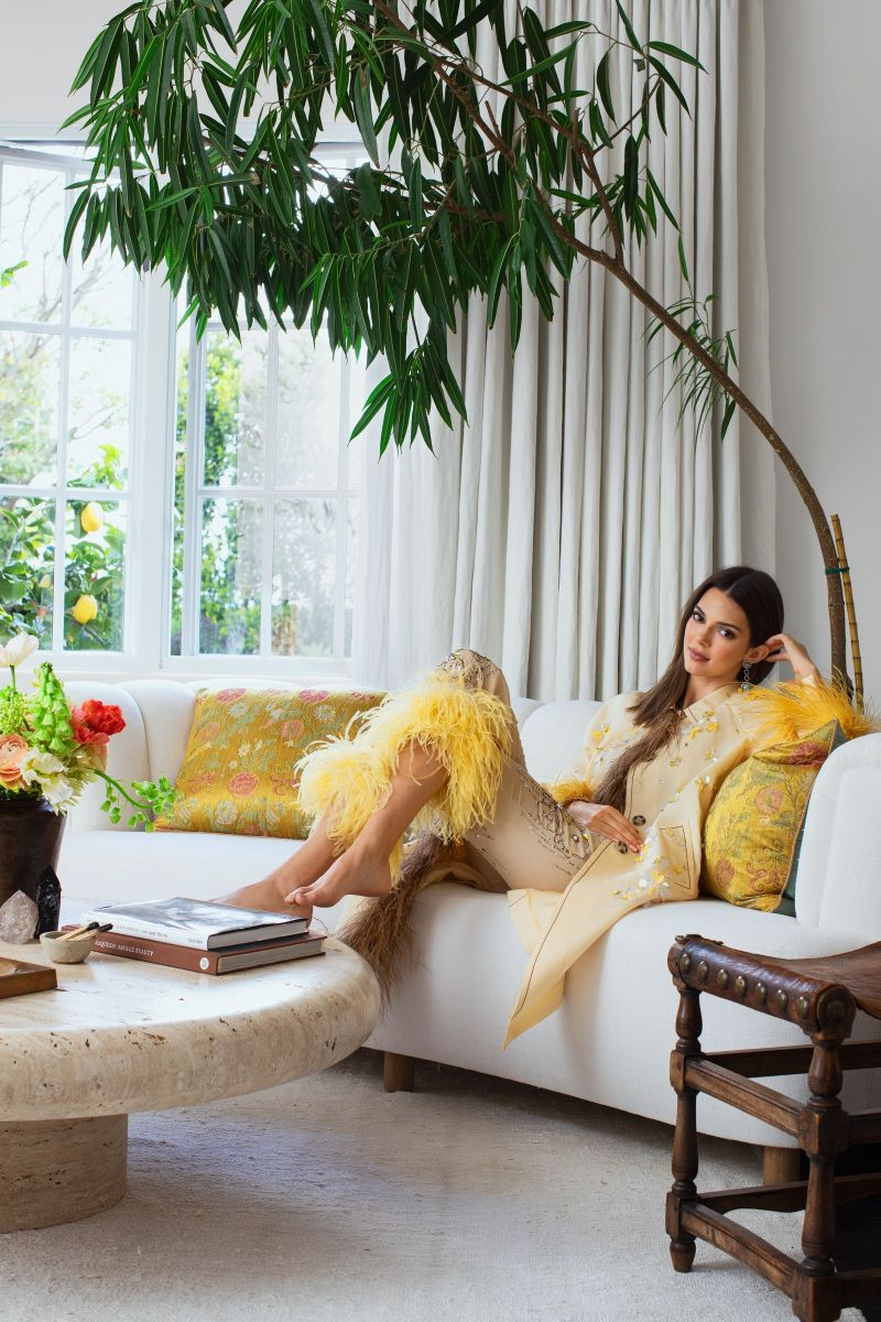 Kendall Jenner's Tranquil And Contemporary Los Angeles Home (1) kendall jenner Kendall Jenner's Los Angeles Abode Enhances The Contemporary Lifestyle Kendall Jenners Tranquil And Contemporary Los Angeles Home 1