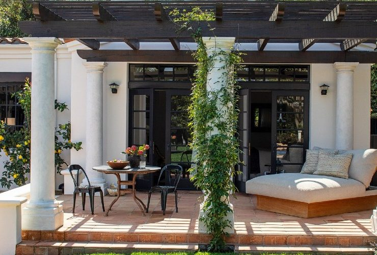 Kendall Jenner's Tranquil And Contemporary Los Angeles Home ft kendall jenner Kendall Jenner's Tranquil And Contemporary Los Angeles Home Kendall Jenners Tranquil And Contemporary Los Angeles Home ft 740x500