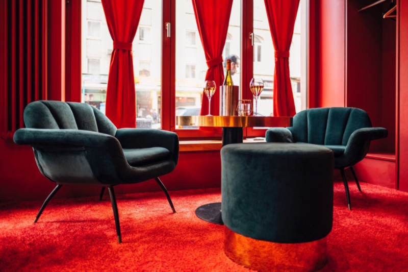 Design Hubs Of The World - Top Interior Designers From Frankfurt top interior designer Design Hubs Of The World – Top Interior Designers From Frankfurt maxie eiesen bar 3 960x640 c 1 top interior designers from frankfurt Top Interior Designers From Frankfurt maxie eiesen bar 3 960x640 c 1
