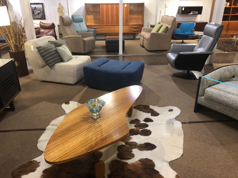 Where To Shop – The Best Luxury Showrooms In St. Petersburg luxury showroom Where To Shop – The Best Luxury Showrooms In St. Petersburg EBIO4uPXUAAEiYr 1