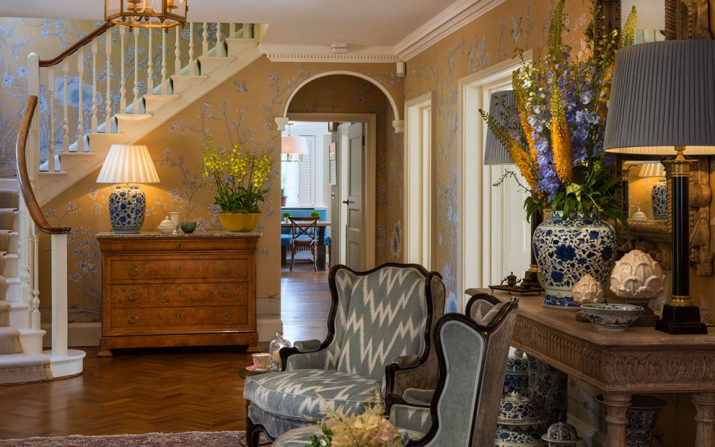 Areen Design - Choose the Perfect Style For You areen design Areen Design – Choose the Perfect Style For You Residential Private Residence Hampshire Entrance Hall 1024x641