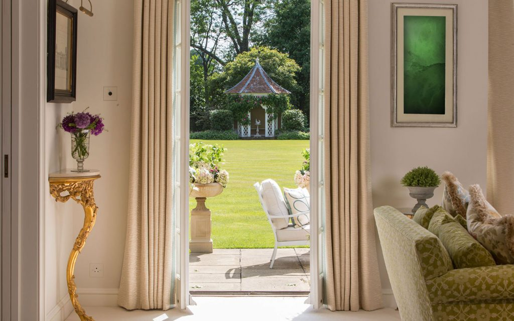 Areen Design - Choose the Perfect Style For You areen design Areen Design – Choose the Perfect Style For You Residential Private Residence Hampshire Garden Patio 2 1024x641