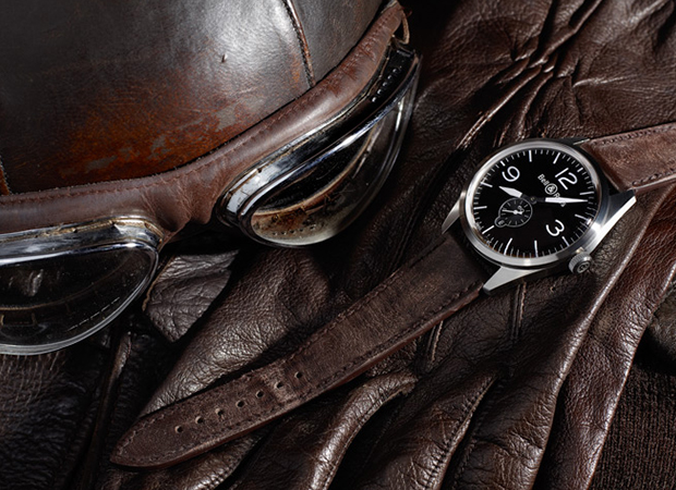 A unique project with military-inspired consists of exquisite and luxurious materials. Clock designed for all those who have a more adventurous spirit. What can be better plus have a piece designed to think of us?