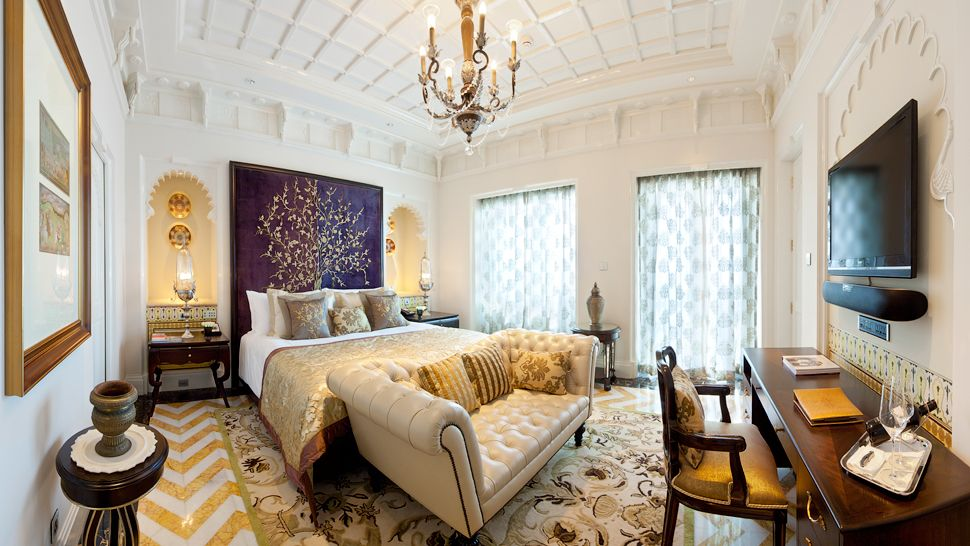 The Most Luxurious and Exquisite Hotel Bedrooms bedrooms The Most Luxurious and Exquisite Hotel Bedrooms tAJ MAHAL PALACE