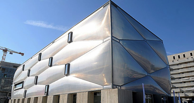 Phillipe Starck Wraps New Building With Bubble le nuage philippe starck montpellier Resized