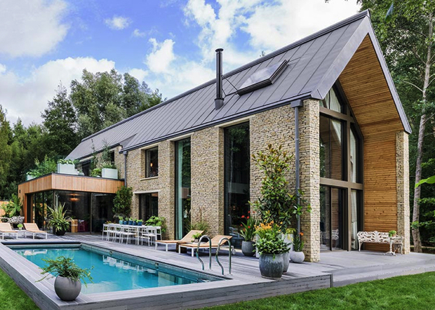 kate moss kicks off interior design with glamour country home