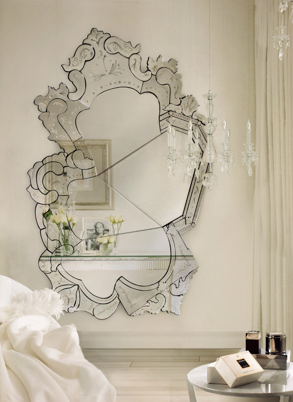 wall mirrors ideas Get Stunning Wall Mirrors Ideas for the Bedroom 16