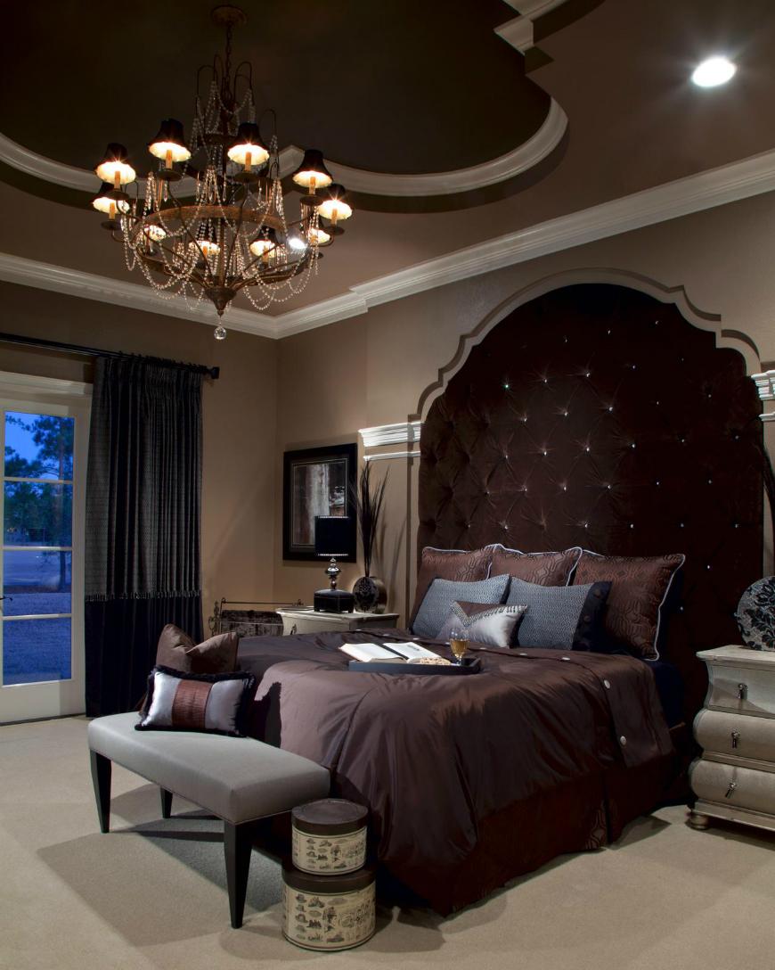 benita-goldblatt_summer-retreat_master-bedroom dark bedroom How to Bring Inspiration Into Your Dreams With Dark Bedroom Benita Goldblatt Summer Retreat Master Bedroom