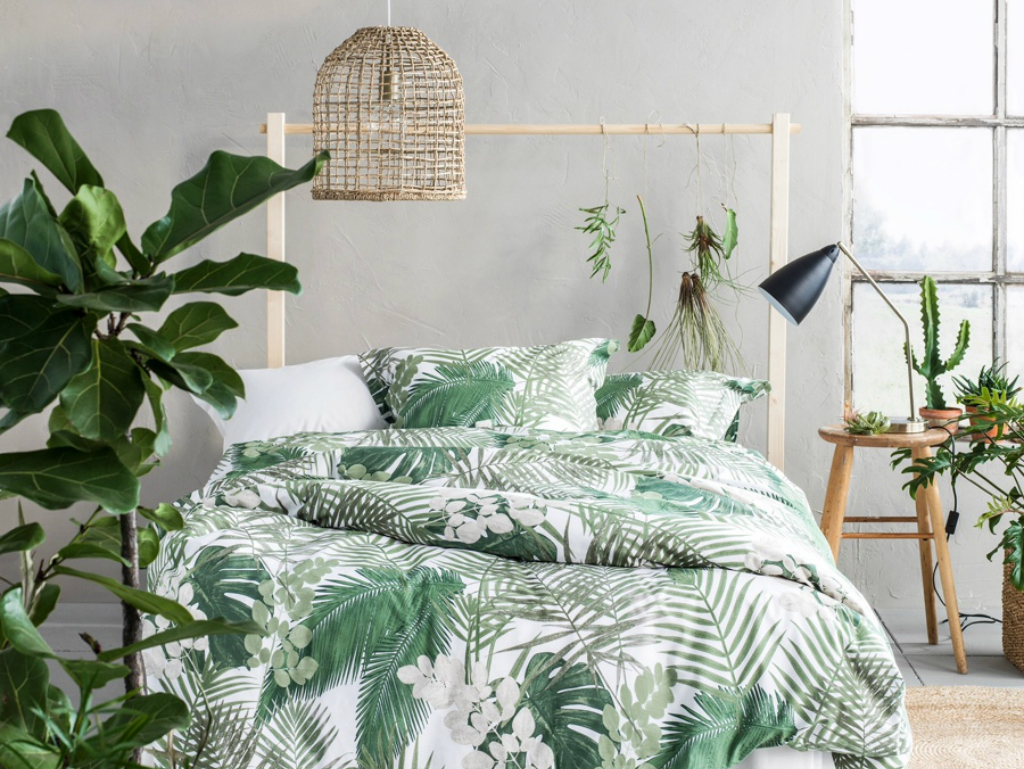 Summer trends 2017 bedroom inspiration with tropical design for Modern accents