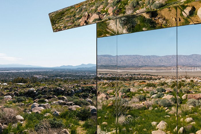 Doug Aitken's Mirrored American House Installation in the Californian Desert american house Doug Aitken's Mirrored American House Installation in the Californian Desert doug aiteken mirror house 3
