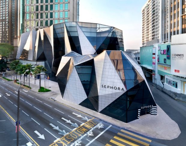 architectural buildings. Architectural Marvels: 25 Buildings That Will Astound You