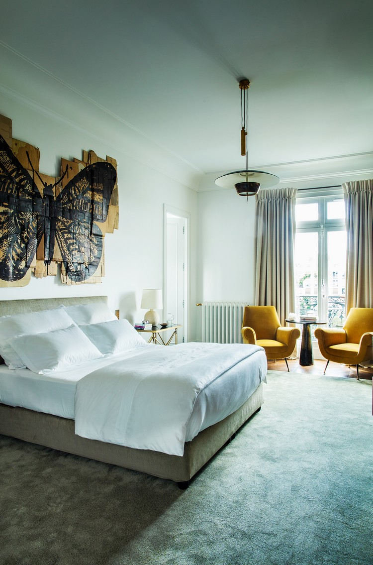 contemporary Contemporary and Sophisticated Home Art Gallery in Paris paris home inspirations 10