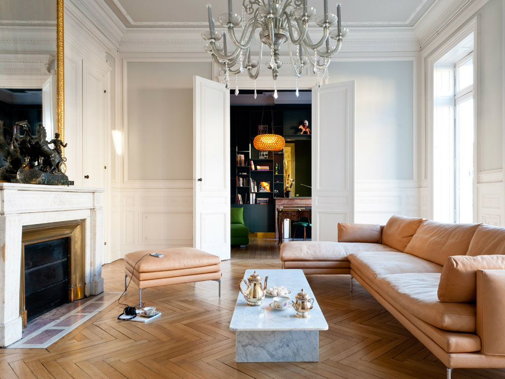 Minimalist and Modern Apartment in the Heart of Paris