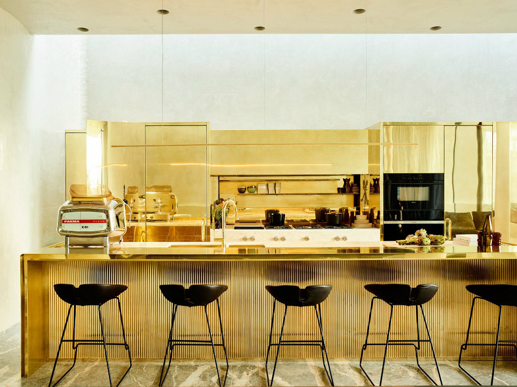 10 Kitchen Designs Wiht Brass Accent