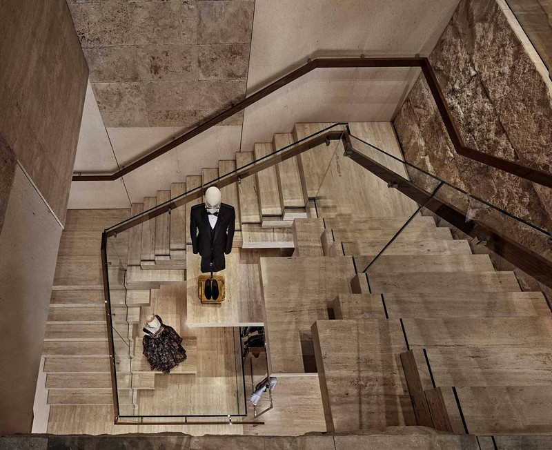dolce & gabbana New Dolce & Gabbana Store Recreates The Grandeur of Teatro alla Scala luxury store inspirations 6
