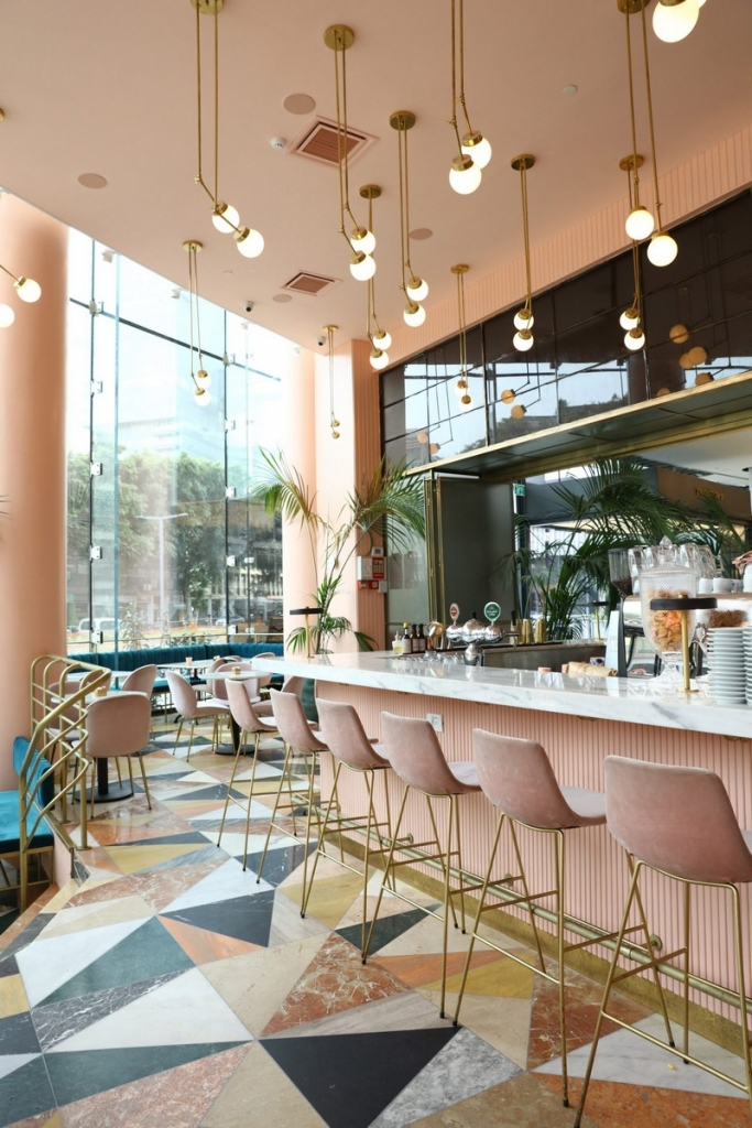 Pink and Marble Enliven this Restaurant Interior Design in Tel Aviv interior design Pink and Marble Enliven this Restaurant Interior Design in Tel Aviv pink restaurant inspiration 3 683x1024