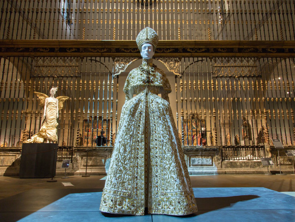 "art Met Museum's ""Heavenly Bodies"", A Dialogue Between Fashion and Art cover 3"