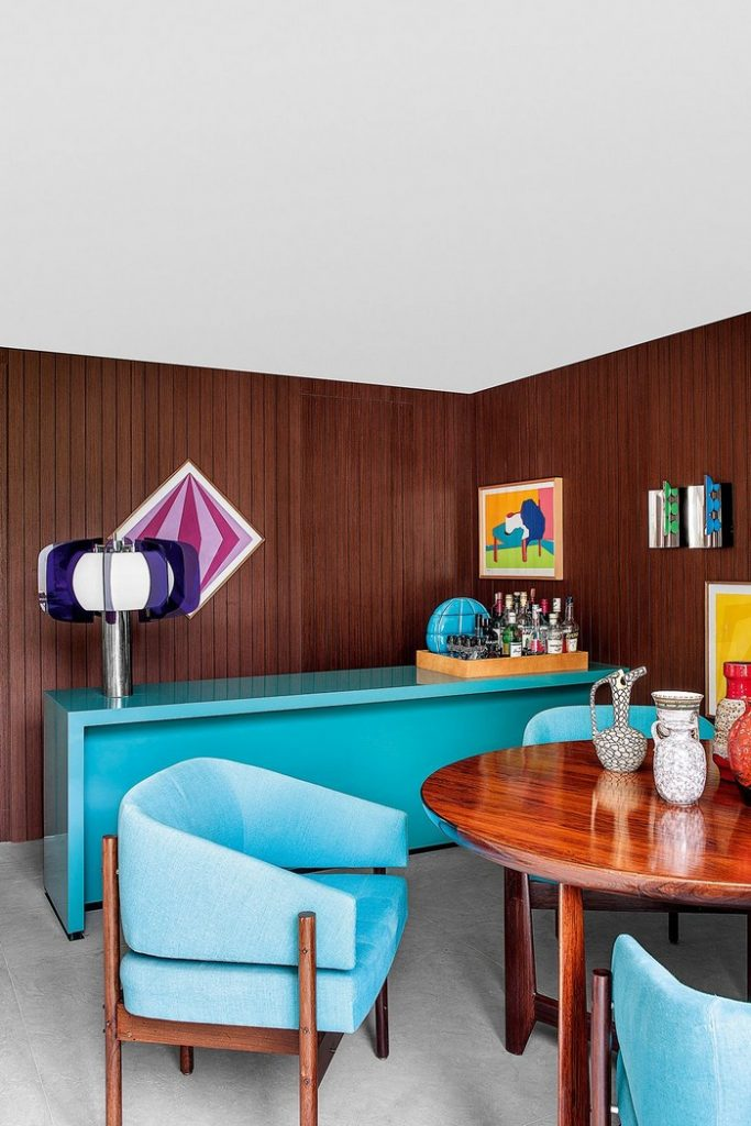 Colorful 70s House Refreshed by Top Interior Designer Guilherme Torres top interior designer Colorful 70s House Refreshed by Top Interior Designer Guilherme Torres guilherme torrer inspirations 11 683x1024