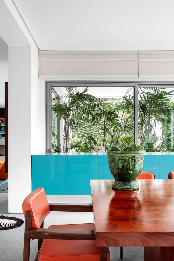 top interior designer Colorful 70s House Refreshed by Top Interior Designer Guilherme Torres guilherme torrer inspirations 2 683x1024