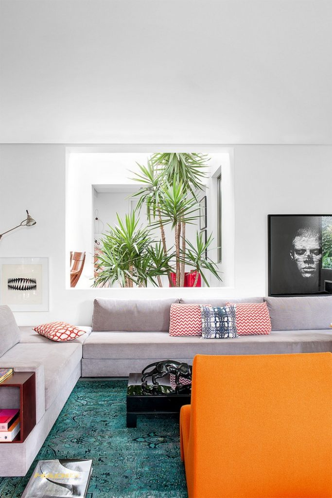 top interior designer Colorful 70s House Refreshed by Top Interior Designer Guilherme Torres guilherme torrer inspirations 4 683x1024