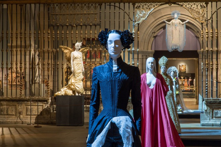 "art Met Museum's ""Heavenly Bodies"", A Dialogue Between Fashion and Art met ispirations 1"