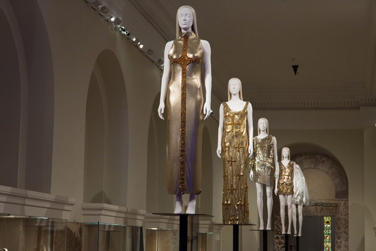 "art Met Museum's ""Heavenly Bodies"", A Dialogue Between Fashion and Art met ispirations 13"