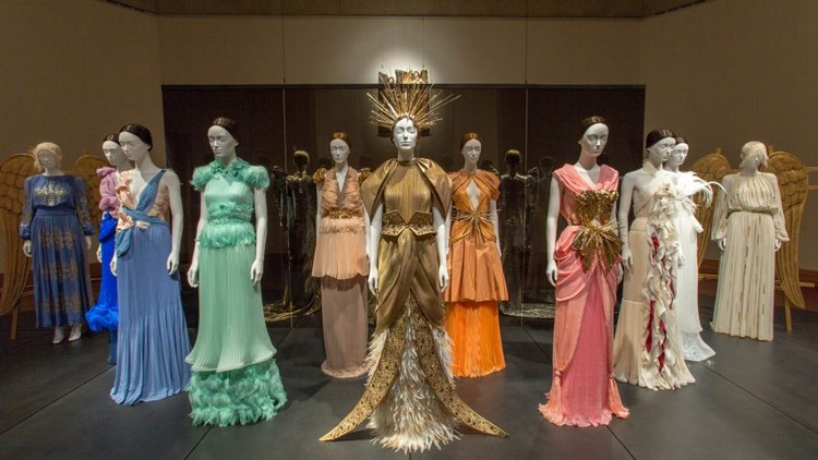 "art Met Museum's ""Heavenly Bodies"", A Dialogue Between Fashion and Art met ispirations 14"