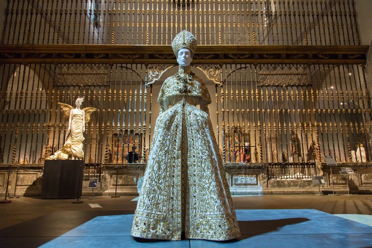 "art Met Museum's ""Heavenly Bodies"", A Dialogue Between Fashion and Art met ispirations 2"